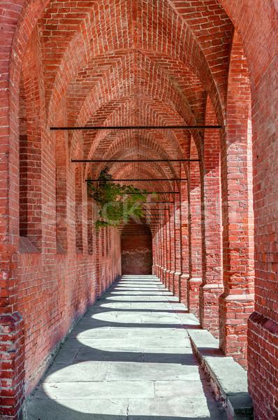 Vieux passage étroite rouge brique ville Photo stock © rglinsky77