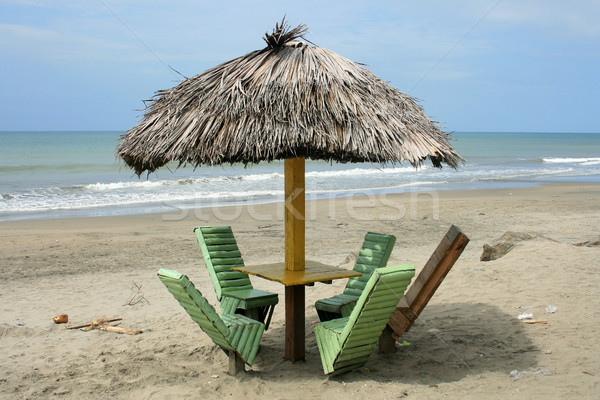 Retrato tabela praia mesa de madeira cadeiras guarda-chuva Foto stock © rhamm