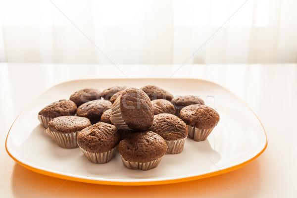Lezzetli çikolata beyaz plaka tablo Stok fotoğraf © robinsonthomas