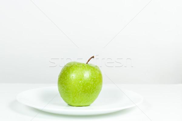 зеленый яблоко капли воды пластина белый продовольствие Сток-фото © robinsonthomas