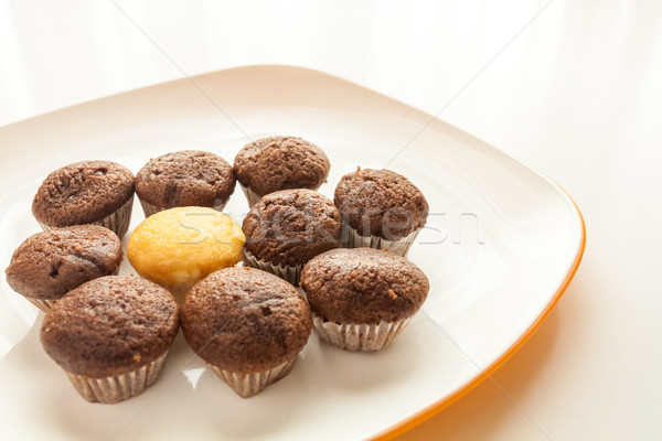 Lezzetli çikolata bir kek çörek Stok fotoğraf © robinsonthomas