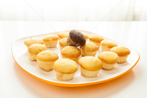 Smakelijk Geel muffins chocolade muffin top Stockfoto © robinsonthomas