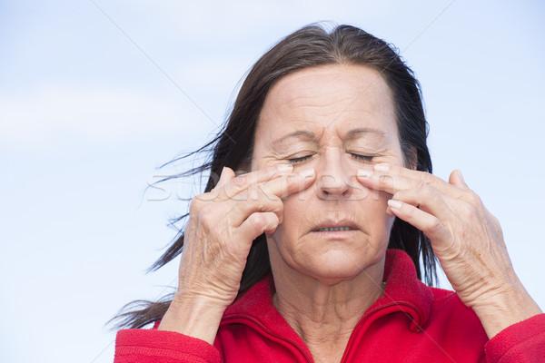 Foto stock: Mulher · sofrimento · doloroso · dor · de · cabeça · retrato · atraente