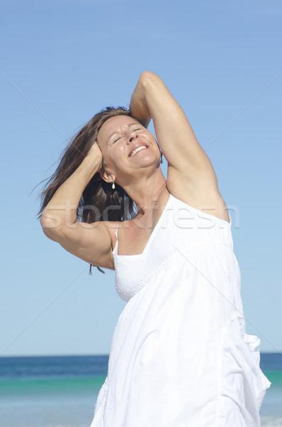 sexy-mature-women-at-the-beach-pakistani-nude-girls
