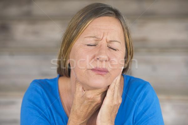 Vrouw pijn keel pijn griep portret Stockfoto © roboriginal