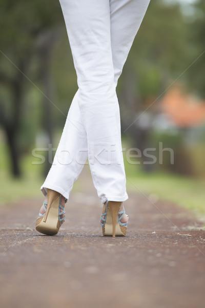 Vrouw benen outdoor schoenen Stockfoto © roboriginal