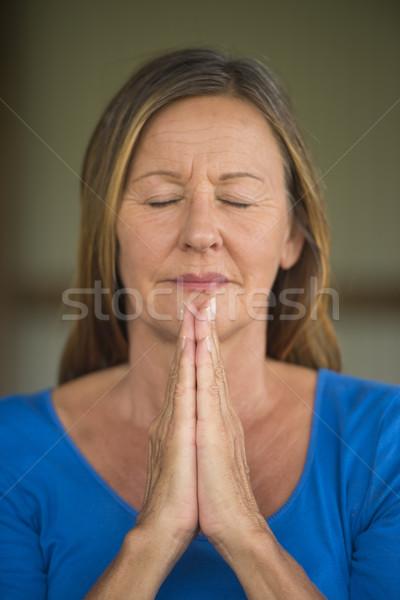 Feliz mulher oração atraente religioso Foto stock © roboriginal