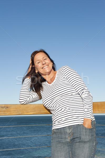 Seksi olgun kadın okyanus portre ayakta Stok fotoğraf © roboriginal
