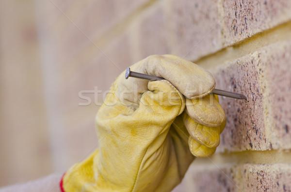 クローズアップ 爪 手 レンガの壁 修復 手袋 ストックフォト © roboriginal