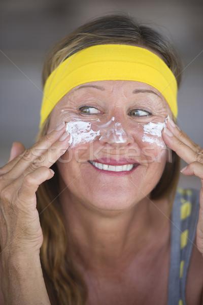 Cuidado de la piel protección mujer madura retrato deportivo encajar Foto stock © roboriginal