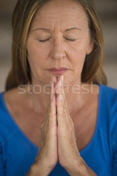 Stockfoto: Vrouw · mediteren · geconcentreerde · aantrekkelijk · religieuze