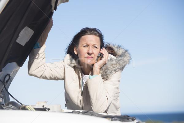 Frau Auto Pause nach unten Telefon Hilfe Stock foto © roboriginal