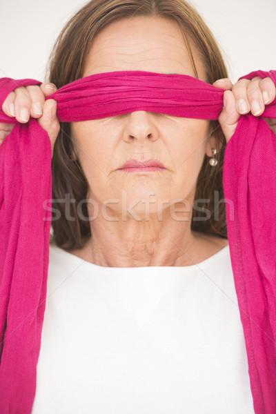 Portret rijpe vrouw geblinddoekt aantrekkelijk poseren Stockfoto © roboriginal
