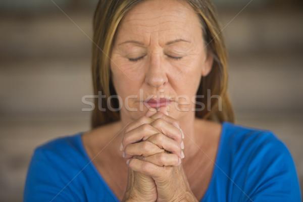 Stockfoto: Vrouw · bidden · aantrekkelijk · religieuze · senior