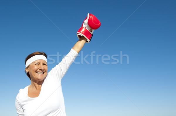 アクティブ シニア 女性 空 魅力的な 勝利 ストックフォト © roboriginal