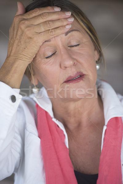 ストックフォト: 女性 · 片頭痛 · 頭痛 · 肖像 · 魅力的な