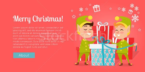 Foto stock: Alegre · Navidad · pie · cajas · de · regalo · sonriendo · navidad