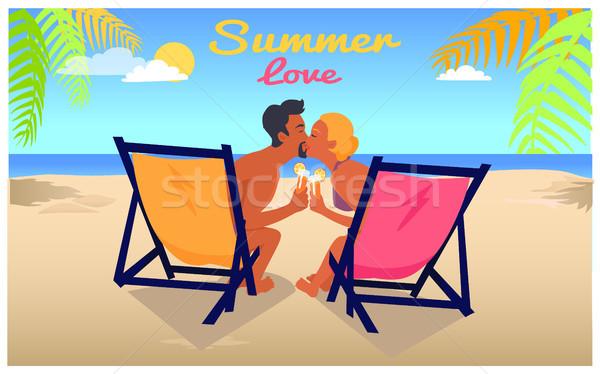 Hombre mujer beso playa de arena verano amor Foto stock © robuart