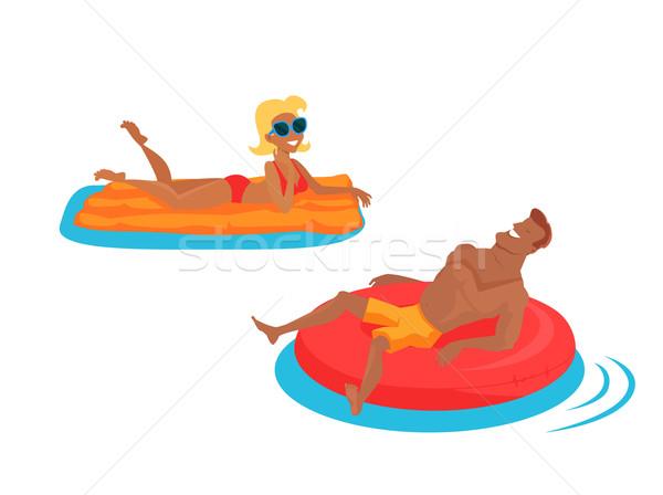счастливая семья морем человека Ложь надувной Сток-фото © robuart