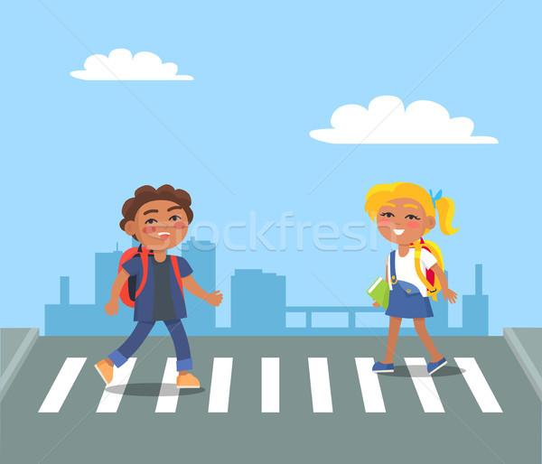 çocuklar sokak yaya kentsel şehir gülen Stok fotoğraf © robuart