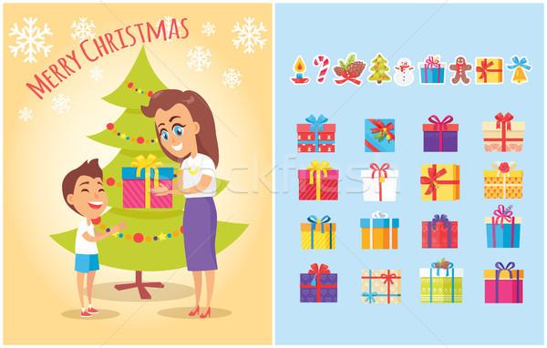 Neşeli Noel kartpostal anne sunmak oğul Stok fotoğraf © robuart