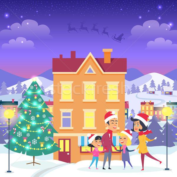 Foto stock: Familia · feliz · urbanas · casa · árbol · de · navidad · naranja · decorado