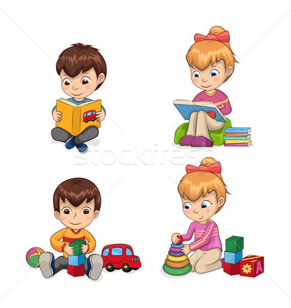 Attentif enfants lecture livres quelque chose nouvelle Photo stock © robuart