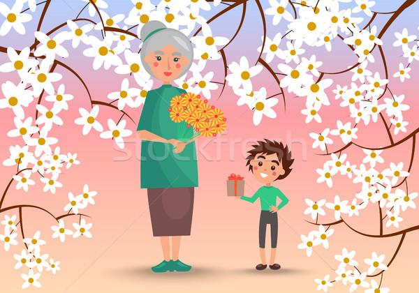 Großmutter Enkel Blumen groß Bouquet wenig Stock foto © robuart