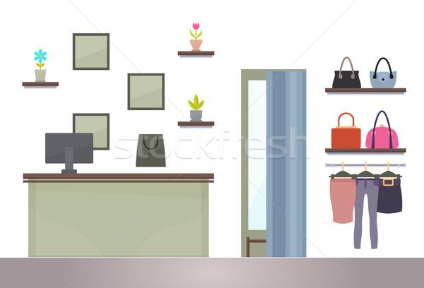 Nő vásárlás bolt számítógép asztal polcok Stock fotó © robuart