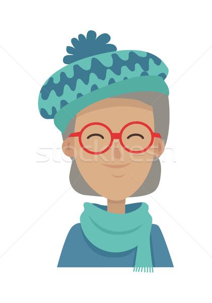 Souriant vieille femme chapeau écharpe longtemps Photo stock © robuart