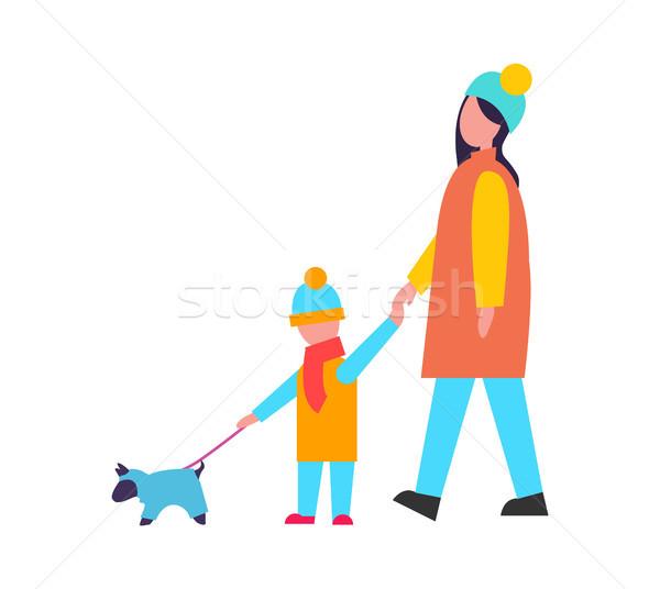 Foto stock: Familia · caminando · perro · actividad · invierno · nino