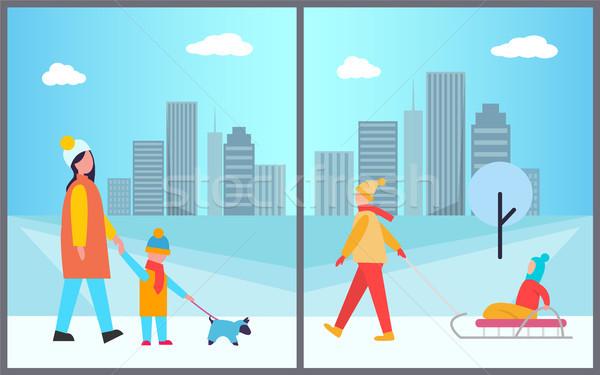 Familles activités ville mère fils marche Photo stock © robuart