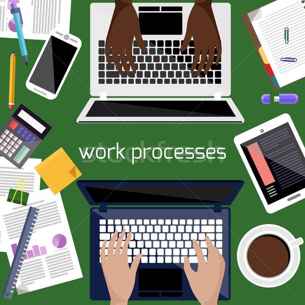 Laptop Smartphone Schreibwaren Arbeit Prozess Stock foto © robuart