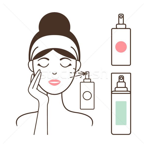 Donna acqua spray bottiglia sani faccia Foto d'archivio © robuart