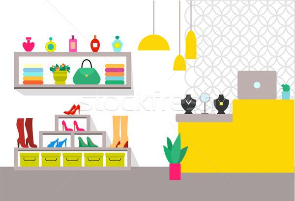 Vêtements magasin contre portable bijoux sac Photo stock © robuart