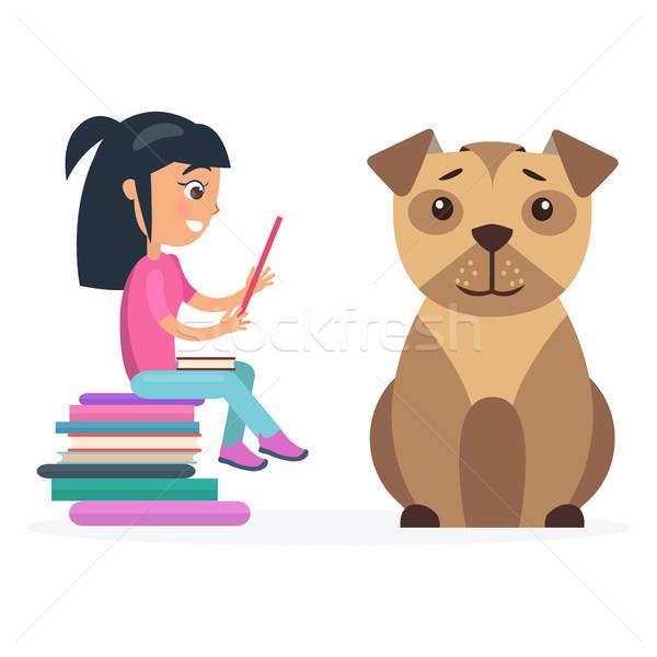 Meisje tablet naast reusachtig hond Stockfoto © robuart
