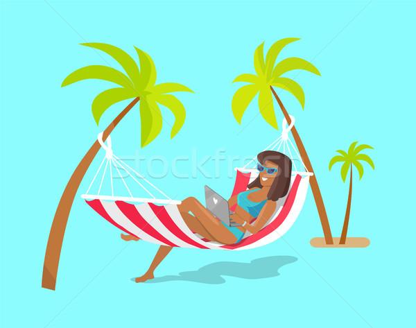 örömteli szabadúszó munkás nyári vakáció szalag csinos Stock fotó © robuart