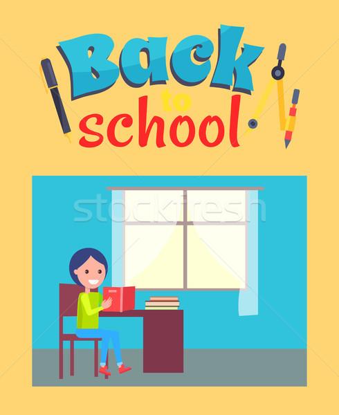 Powrót do szkoły plakat uczeń siedzieć biurko posiedzenia Zdjęcia stock © robuart