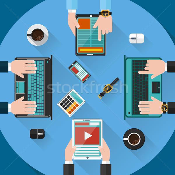 Teamwerk raadpleging briefing kleine bedrijven project presentatie Stockfoto © robuart