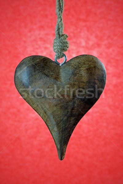 Valentin coeur bois suspendu rouge amour Photo stock © rogerashford