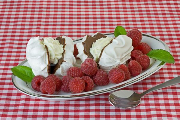 ラズベリー 皿 チョコレート 赤 夏 プレート ストックフォト © rogerashford