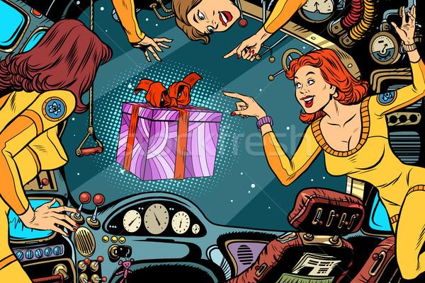 Nők fülke űrhajó ajándék doboz klasszikus képregény Stock fotó © rogistok