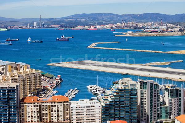 Stad gibraltar luchthaven landingsbaan moderne appartement Stockfoto © rognar