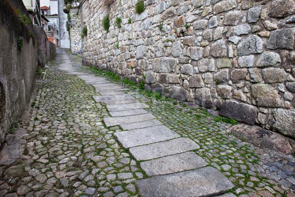 Felemelkedik utca óváros sikátor öreg város Stock fotó © rognar