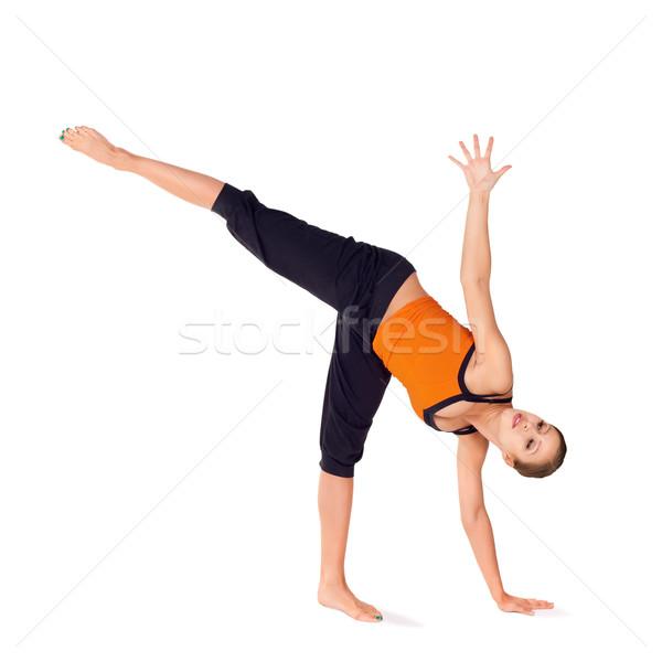 Geschikt aantrekkelijke vrouw oefenen yoga oefening vrouw Stockfoto © rognar