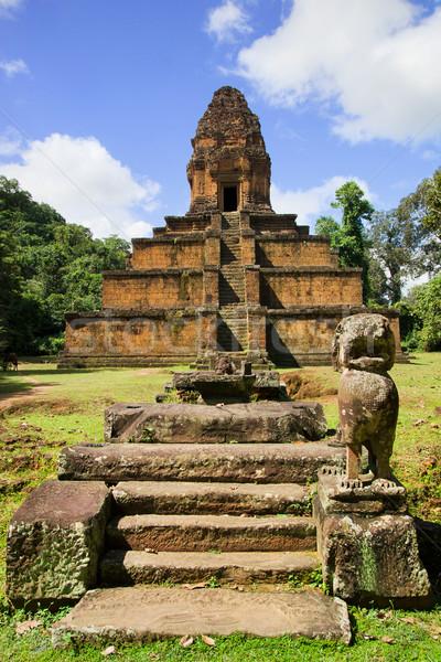 Pirâmide templo Camboja arte arquitetura religião Foto stock © rognar