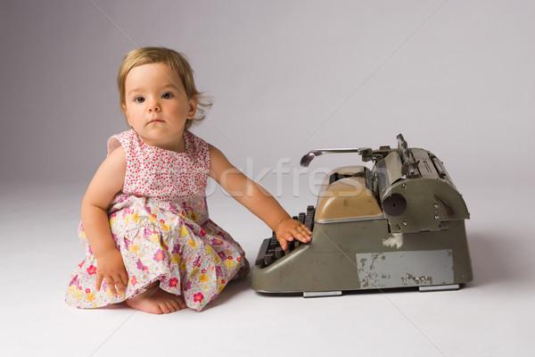 Poseren schrijfmachine cute weinig Stockfoto © rognar