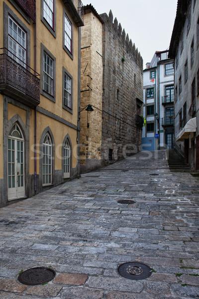 Utca óváros felemelkedik figyelmeztetés épület építészet Stock fotó © rognar