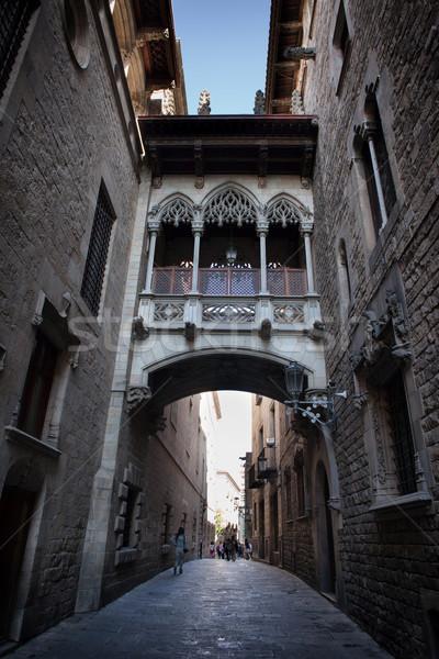 Calle gótico trimestre Barcelona edificio ciudad Foto stock © rognar