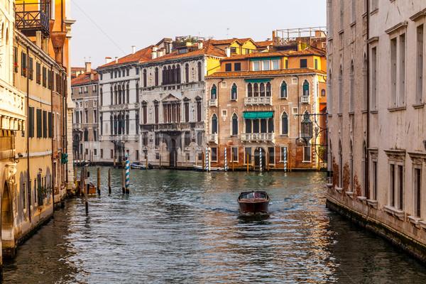 Motorcsónak csatorna Velence Olaszország égbolt ház Stock fotó © romitasromala